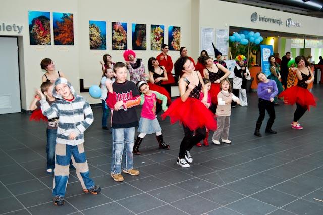 UDZ - Tańcz w Wielkim mieście! Pokazy Show Group na Urodzinach Fali - Relacja
