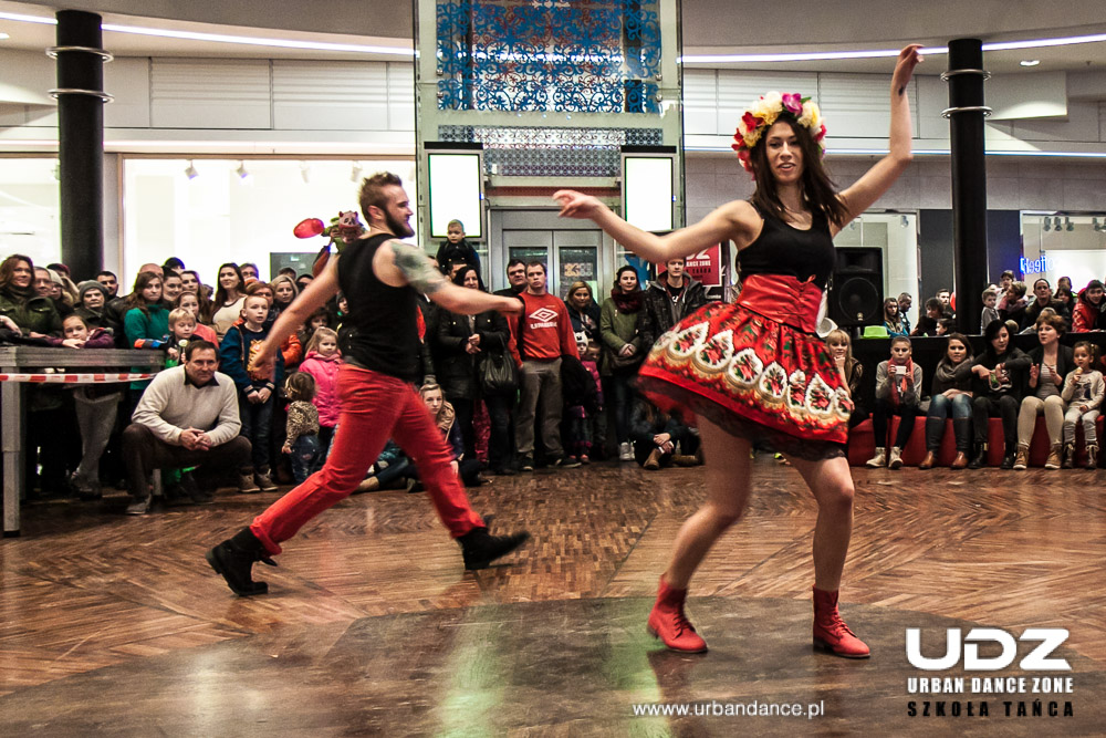 UDZ - Tańcz w Wielkim mieście! Fotorelacja z występów UDZ na WOŚP 2015 w Manufakturze
